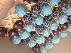 Blue cakes pops