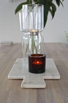 Piece of marble. Granit marble tray and Iittala candleholders at Syyskuun kuudes