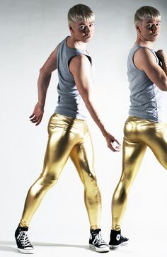 meinlycra:  ickp:  lalycradude:  gaychucks:  rbrbd.tumblr.com  Dayum Loving the gold…  GOLD!!   Hot