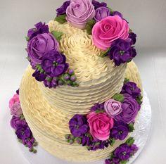 Buttercream ruffle cake with butterceam flowers