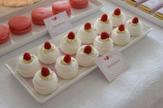 Dulces para una fiesta rojo y blanco / Sweets for a red and white party