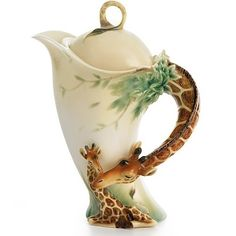 Franz Porcelain's Endless Beauty Giraffe Collection Teapot is a gorgeous and evocative celebration of tenderness in the animal kingdom.