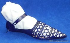 Late Medieval Shoes, Front-laced Shoe, Front-latchet Shoe, Front-laced ...
