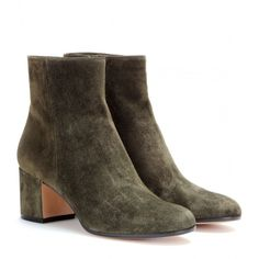 Gianvito Rossi Suede Ankle Boots (549 AUD) ❤ liked on Polyvore featuring shoes, boots, ankle booties, green, ankle boots, green suede booties, green ankle boots, gianvito rossi and suede leather boots