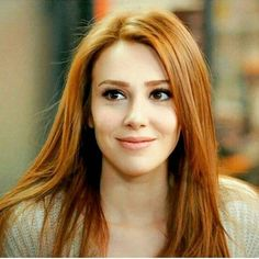 Elçin Sangu as Felicity Foy/Hunter Red Heads Women, Beautiful Red Hair, Girls With Red Hair, Gorgeous Redhead, Work Hairstyles, Redhead Girl, Turkish Beauty, Ginger Hair, Beautiful Actresses