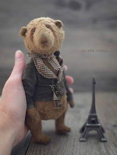 BEAR ENDRI By Jelena Stoll (Germany) - Bear Pile