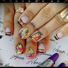 Unha diferente de Anna Alencar. Different nail. Uña diferente. Unghie different.
