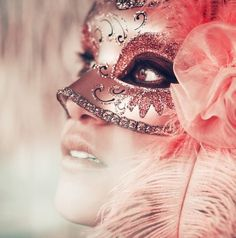 Find images and videos about pink, mask and masquerade on We Heart It - the app to get lost in what you love. Costume Venitien, Tout Rose, Masquerade Party, Masquerade Masks, Masquerade Makeup, Masquerade Attire, Halloween Masquerade, Carnival Masks, Venetian Masks