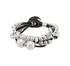 Love Uno de 50 and especially this bracelet.
