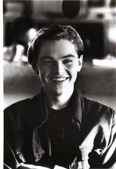 million dolla smile!!! leonardo dicaprio