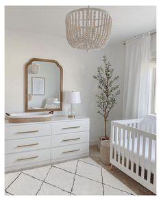 Baby Room Design, Nursery Design, Baby Nursery Decor, Baby Decor, Project Nursery, Nursery Furniture, Baby Room Neutral, Simple Neutral Nursery, Simple Baby Nursery