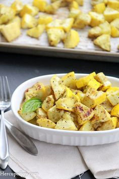 Our backyard has been overfilled with vegetables, my favorite is summer squash and zucchini. This vegetable recipe is so simple to make, yet so delicious as a side dish for an easy summer dinner. Roasted Zucchini And Squash, Cooking Yellow Squash, Roasted Summer Squash, Yellow Squash Recipes, Summer Squash Recipes, Roast Zucchini, Oven Roasted Squash, Zucchini Gratin