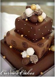 tiered chocolate cake - tarta de bodas de chocolate en capas www.bodasnovias.com #pastel de bodas #bolo de casamento #torta de casamiento