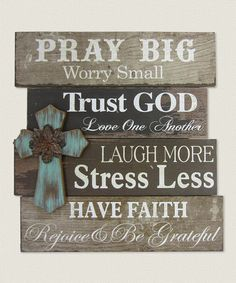 Christmas DIY: Another great find o Another great find on 'Pray Big' Cross Wall Sign Pallet Crafts, Pallet Art, Wood Crafts, Diy Crafts, Rustic Signs, Rustic Wood, Wooden Signs, Barn Signs, Barn Wood