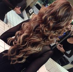 """klasszik: """"why can't our curls be like these :((( """" Follow br0nzed-beauty for more luxury"""