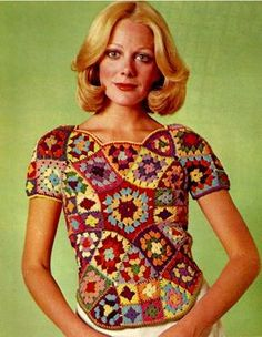 Check out our granny square crochet top pattern selection for the very best in unique or custom, handmade pieces from our shops. Point Granny Au Crochet, Débardeurs Au Crochet, Crochet Bolero, Pull Crochet, Mode Crochet, Crochet Blouse, Crochet Tops, Vintage Crochet Patterns, Vintage Knitting