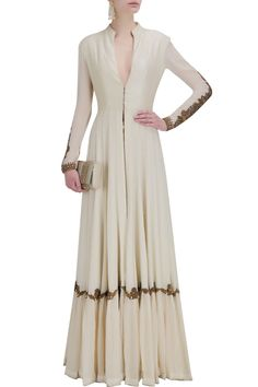 anand kabra Ivory embroidered floor length anarkali jacket with digital print pants Pakistani Dresses, Indian Dresses, Indian Outfits, Indian Attire, Indian Wear, Ethnic Fashion, Indian Fashion, Salwar Kameez, Look Short
