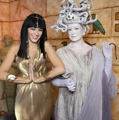 Martha Stewart and Blake Lively as Medusa and Cleopatra #halloween