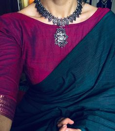 11 amazing saree styles looks to inspire you 9 Saree Blouse Neck Designs, Fancy Blouse Designs, Kurta Designs, Blouse Patterns, Saree Styles, Blouse Styles, Saree Jewellery, Jewellery Sale, Temple Jewellery