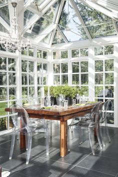chost chairs in sun room - interesting #3seasonroominspiration learn how to create your perfect sunroom at www.boardwalknorth.com/blog