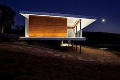 Postcard House by Hufft Projects