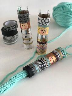 Spool Crafts, Yarn Crafts, Diy Crafts, Loom Knitting For Beginners, Knitting Videos, Diy For Kids, Crafts For Kids, Box Creative, Spool Knitting