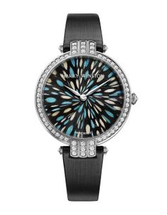 Harry Winston montre Premier Feathers http://www.vogue.fr/joaillerie/shopping/diaporama/l-invitation-au-voyage-montres-metiers-d-arts-japonisants/16840/image/894066#!harry-winston-montre-premier-feathers
