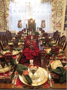 This is a Traditional Christmas Tablescape In Red and Green!!! Bebe'CTBelle!!! Bebe'CTBelle???You!!! I really love this Pretty Christmas Tablescape!!!