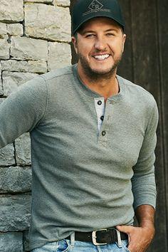 Luke Bryan Family, Luke Bryan Songs, Country Music Singers, Country Artists, Luke Bryan Pictures, Country Boys, Carrie Underwood, Sexy Men, Hot Men