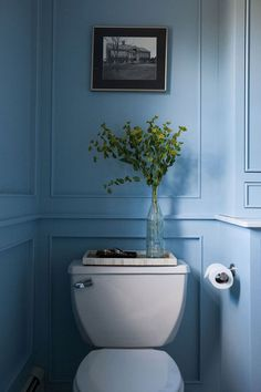 Blue Bathroom design ideas and photos to inspire your next home decor project or remodel. Check out Blue Bathroom photo galleries full of ideas for your home, apartment or office. Toilet And Bathroom Design, Bathroom Interior Design, Modern Bathroom, Small Bathroom, Bathroom Flowers, Serene Bathroom, Bathroom Basin, Washroom, Bathroom Vanities