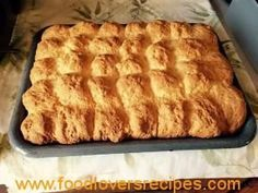jogurt en kondensmelk beskuit susan Oven Recipes, Baking Recipes, Cookie Recipes, Dessert Recipes, Bread Recipes, Rusk Recipe, Kos, Cream Puff Recipe, South African Recipes