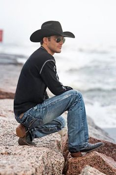 Bareback rider Casey Colletti...I'd like him under my Christmas tree this year, please :)