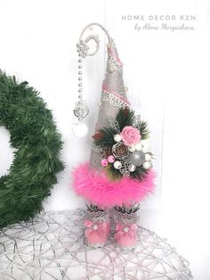 Новости Christmas Is Coming, Christmas Love, Handmade Christmas, Christmas Holidays, Cone Christmas Trees, Christmas Wreaths, Christmas Decorations, Christmas Ornaments, Burlap Crafts