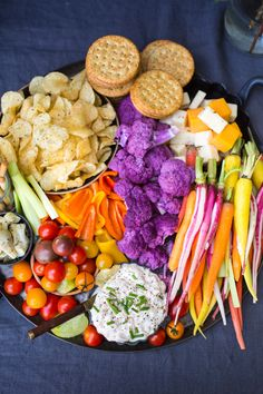 This fuss-free Happy Hour Platter is the perfect way to start to any party! #entertaining #recipe