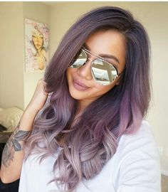 Lavend grey hair. With a shade of pink highlight. Dark roots. Love the mirror shades too!