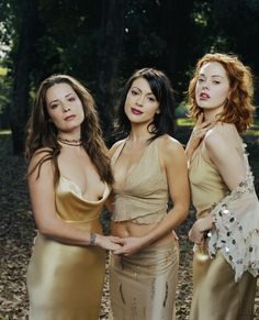 "Charmed S5 Cast: Holly Marie Combs ""Piper Halliwell,"" Alyssa Milano ""Phoebe Halliwell,"" Rose McGowan ""Paige Matthews"""