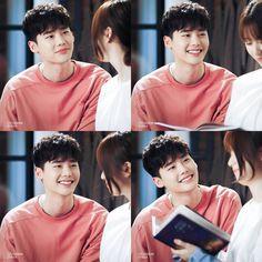 How lee jong suk see han hyo joo on W korean drama ❤️