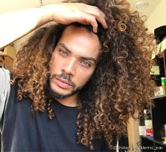 by Pelo Afro Curly Hair Men, Curly Hair Styles, Natural Hair Styles, Curly Blonde, Hair Men Style, Afro Hairstyles, Black Hairstyles, Haircuts For Men, Hair Goals