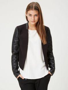 KORT JAKKE, Black // Minimalist Style