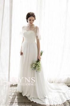 SR15935 ウェディングドレス LaVenie Collection ウェディングドレスのYNS WEDDING
