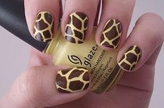 Giraffe Print Nails - must have this done now! MUST use base coat - yellow stains your nails. Fancy Nails, Love Nails, How To Do Nails, Pretty Nails, Nail Art Diy, Diy Nails, Neon Gas, Creative Nails, Creative Things