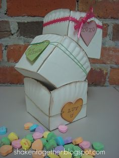 cute paper plate valentine boxes.