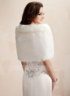 Faux Fur Wedding Wrap (013020423)