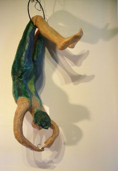 trapéziste, papier mâché, env 24 po Sculptures, Sculpture