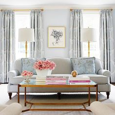 We are drooling over this beautiful living room!  : @suellengregory