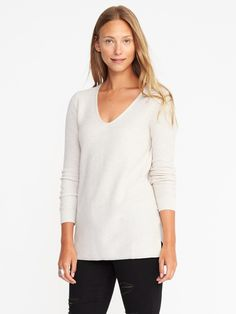 Relaxed Textured V-Neck Sweater for Women | Old Navy $35