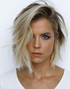 7 Short Haircuts Every Lady Need to See – Frisuren Neue Frisuren und Haarfarben Cute Hairstyles For Short Hair, Girl Short Hair, Hairstyles Haircuts, Short Hair Cuts, Cute Haircuts, Trending Hairstyles, Short Blonde Hair Cuts For Women, Hairstyles For Swimming, Messy Bob Haircuts