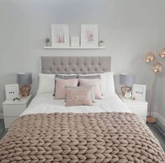 Take a look at Simone Love's bed decoration