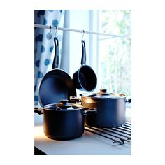 SKÄNKA 6-piece cookware set IKEA Thick walls evenly distribute the heat so that the food is heated up from several directions.