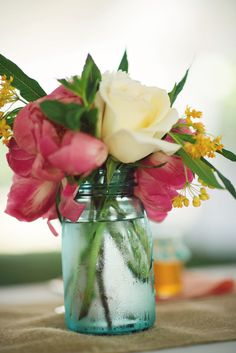 Photography by Gina Cristine Photography / ginacristinephotography.com, Floral Design by TULIP / tulipdesignstudio.com